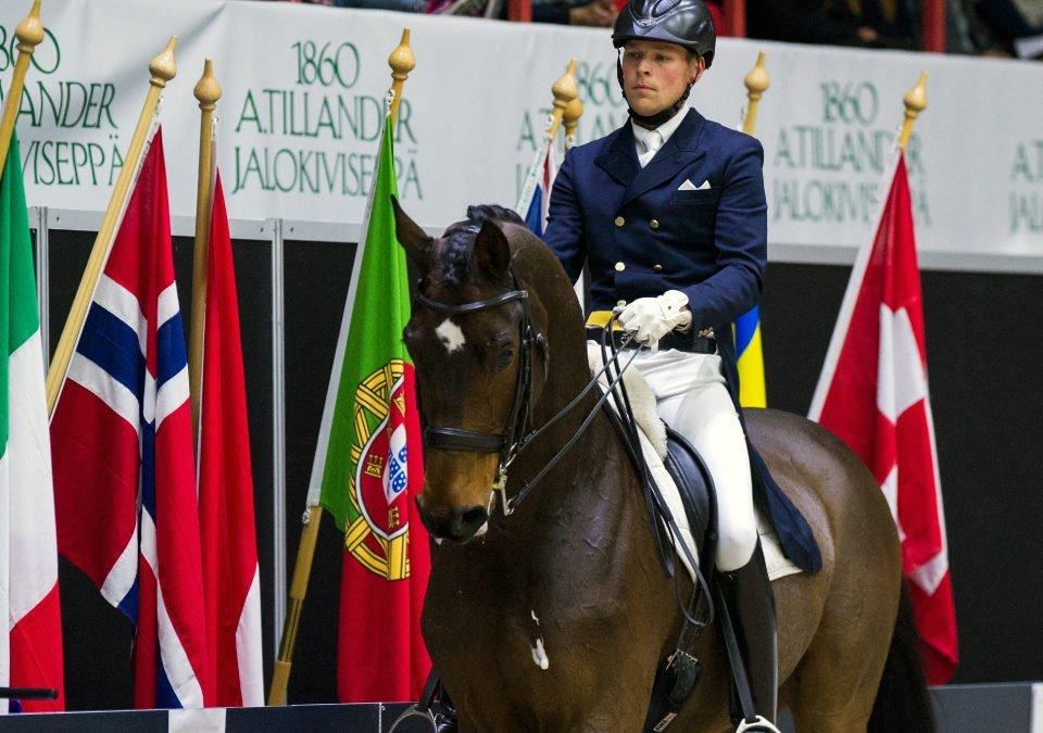 Henri Ruoste kilpailee Horse Show'ssa