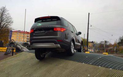 Tule kokeilemaan Land Rovereita kaupunkiseikkailuradalle!