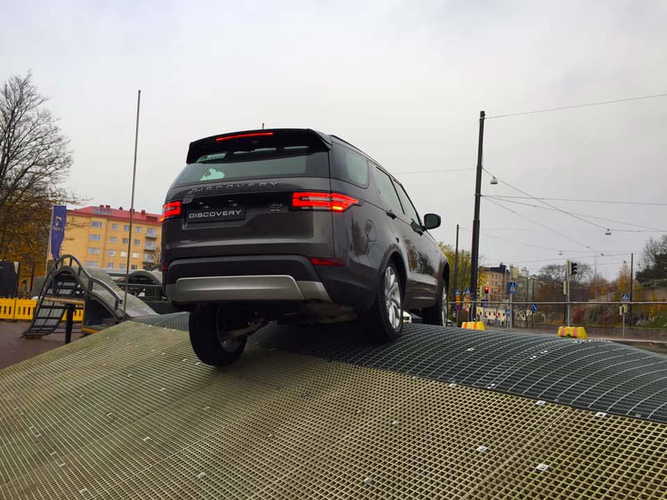 Land Rover Experience temppuradalla