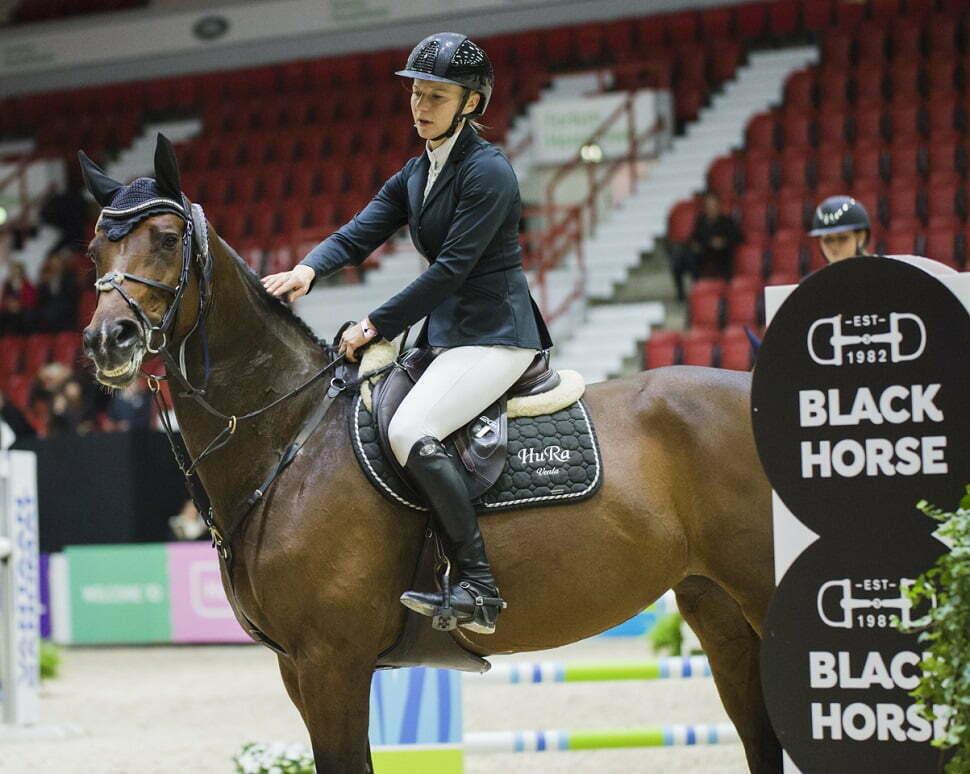Venla Keränen hevosella Cornetta. Valokuva: Satu Pirinen